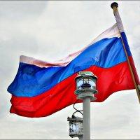 """Кормовой флаг самого быстрого в мире российского парусника """"Мир"""" :: Кай-8 (Ярослав) Забелин"""