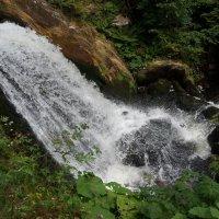 У водопада... :: Алёна Савина
