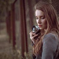 Девушка с фотоаппаратомв :: ferro
