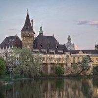 Замок Вайдахуняд в будапештском парке Варошлигет - 2 :: Борис Гольдберг