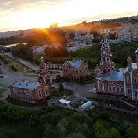 Летний закат и Церковь Новочебоксарска с шестнадцетого этажа. :: Saito Tyan