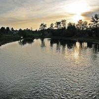 закат на реке :: Ольга Варванец