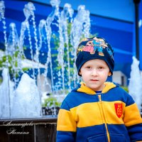 Обнимайте малышей под любым предлогом! …ведь от маленьких детей еще пахнет Богом. :: Наталья Александрова