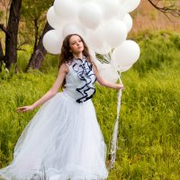 девочка с шариками :: Ольга Щербакова