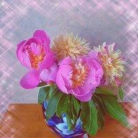 Пионы в вазе :: Nina Yudicheva