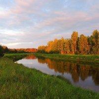 Последние лучи заходящего солнца коснулись реки. :: Павлова Татьяна Павлова