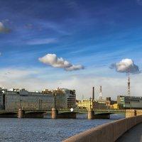 Пироговская набережная и Сампсониевский мост :: Valeriy Piterskiy