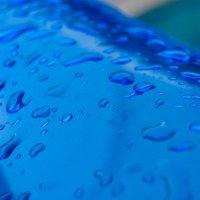 следы дождя на бассейне :: Света Кондрашова