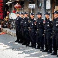 Полиция Китая на утреннем построении :: Игнат Веселов
