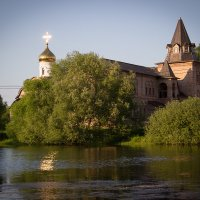 Вид на Храм Святого Праведного Иоанна Кронштадтского (Домодедовский р-н). :: Анна Лу