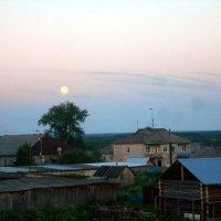 Июньский вечер в селе Усть-Вымь :: Николай Туркин