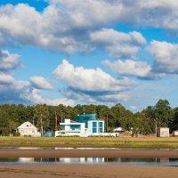 Дом на берегу залива :: Виталий