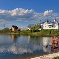 Вид на Свято-Георгиевский монастырь :: Константин