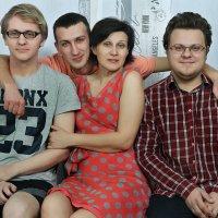 Мать и ее сыновья :: Дмитрий Сахончик