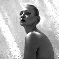 Julia :: Olga Payne