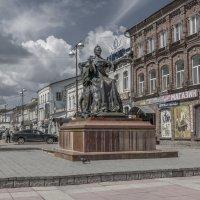 Памятник Екатерине II в Вышнем Волочке. :: Михаил (Skipper A.M.)