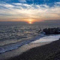 Закат и волны. :: Сергей Адигамов