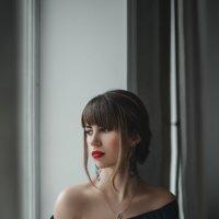 Плечи :: Анна Литвинова