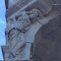 Гамбург. Кариатида колоннады :: Nina Yudicheva