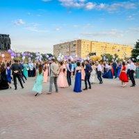 Танцы выпускников школ г Орехово-Зуево 2016 :: Юрий Бичеров