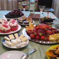 А на десерт, фрукты и мартини! ))) :: Люда Валяшки