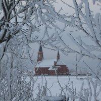 костел в зимнем окошке :: Александр Жукович