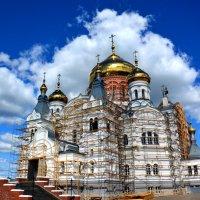 Крестовоздвиженский собор Белогорского монастыря :: Геннадий Ячменев
