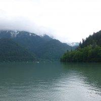 Высокогорное озеро Рица :: Наиля