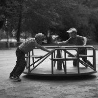 в парке :: Евгений