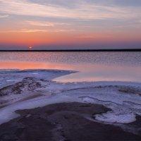 Соли озера Баскунчак 2 :: Альберт Беляев