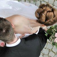 про макушку, плечи, локоны и розы :: Grigory Spivak