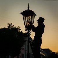 Городские фонари :: Валерий Чернов