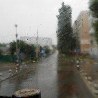 А в Саратове дождь.. :: Равиль Хакимов