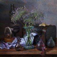 Натюрморт в лиловых тонах :: Татьяна Карачкова