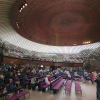 Церковь в скале :: Александр Рябчиков