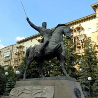 Памятник генералу от инфантерии князю Петру Ивановичу Багратиону. :: Елена