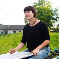 Молодая художница Женя (удовлетворение от творческого процесса) :: Алексей Корнеев
