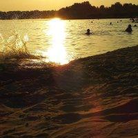 вечер на пляже 2 :: Александр Прокудин