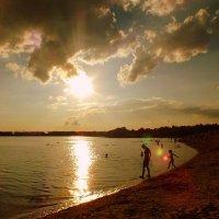 вечер на пляже 4 :: Александр Прокудин