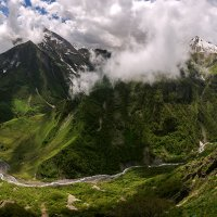 В горах Грузии :: Александр Хорошилов