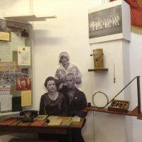 В музее родной школы :: Natalia Harries
