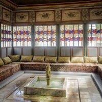 Одна из комнат Ханского Дворца. :: Александр Белоглазов