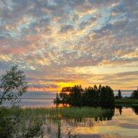 Рассвет на Онежском озере :: Валерий Талашов
