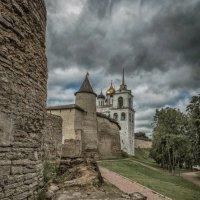 Стены древнего Кремля. :: Виктор Грузнов