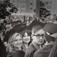 Счастливые выпускники :: Владимир Гулин