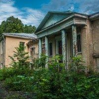 Дом с привидениями :: Alexander Petrukhin
