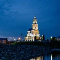 Церковь в предрассветный час :: Константин Шабалин
