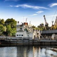 Порт на Трубеже близ Кремля :: Роман Шершнев