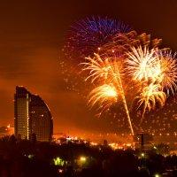 Салют и фейерверк победы в Волгограде 9 мая :: Павел Сытилин