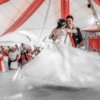 Первый танец :: Сергей Гаварос